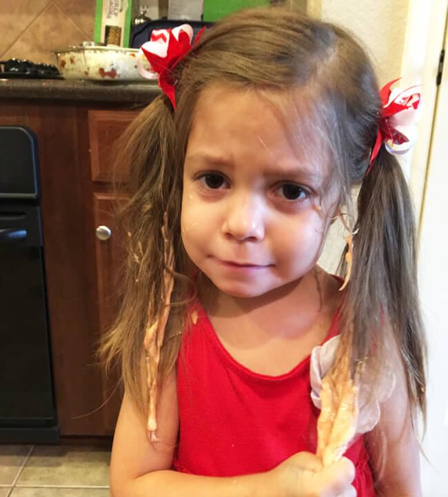как снять лизуна с волос ребенка