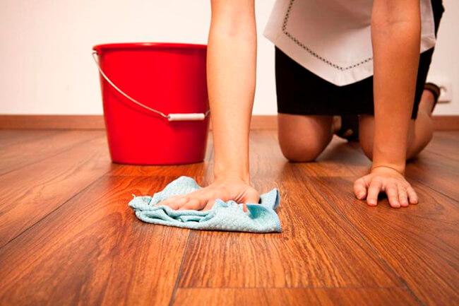 Чем мыть ламинат, чтобы не было разводов