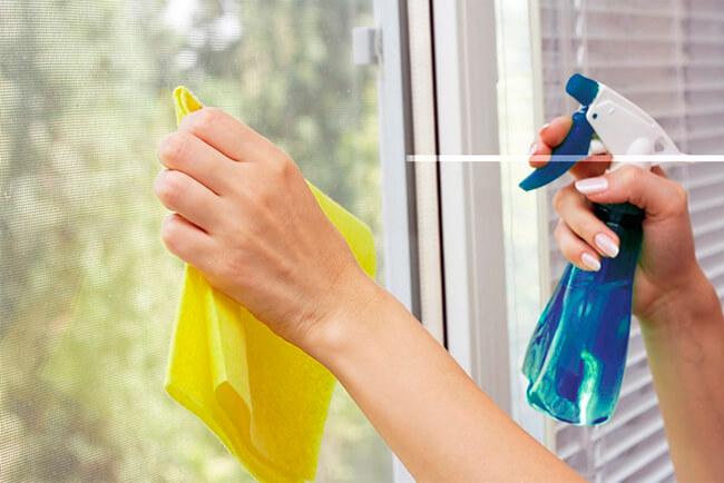 Помыть окна без разводов - Всего пару движений, и чистота гарантирована…