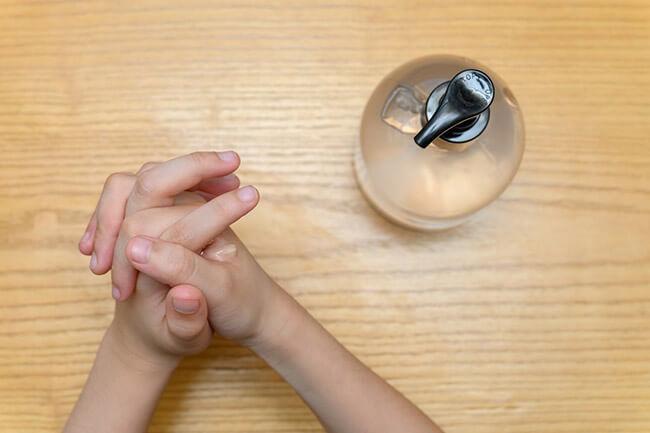Рецепт антисептика для рук своими руками - 7 разных вариантов.