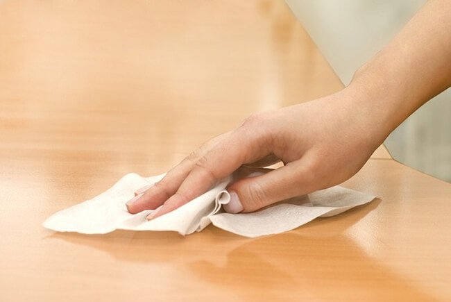 Зачем бросать в стирку влажную салфетку: Лайфхаки для стирки.