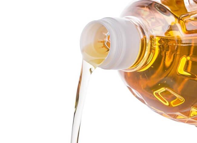 Для чего сделаны прорези в горлышке бутылки для растительного масла